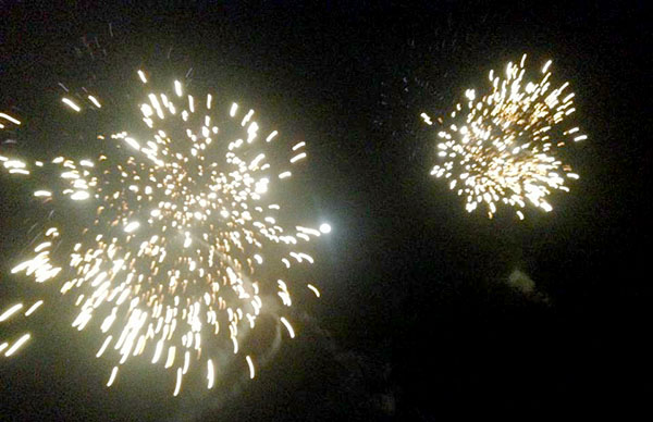 beach firework 2
